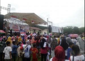 Pendukung Jokowi Pesawaran Mulai Padati Lapangan Kridayuana