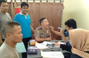 Biddokkes Periksa Kesehatan Anggota Kepolisian Waykanan