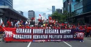 Mayday 2020, Omnibus Law Dan PHK