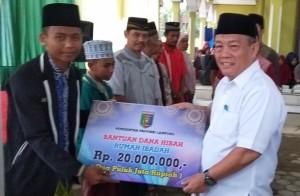 Pemprov Lampung Salurkan Bantuan Sosial Di Pringsewu