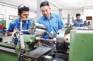 Pelatihan Otomotif Dan Manufaktur Untuk Anak Muda Di Metro