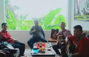 Undang Dua Musisi Tradisional, PWI Tulangbawang Ajak Generasi Muda Lestarikan Kebudayaan Daerah