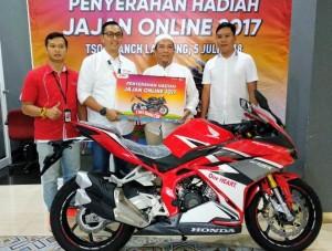 Festival Jajan Online Telkomsel 2017, MS Trijaya Putra Raih Hadiah Utama