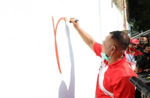 Bupati Lamsel Buka Lomba Mural