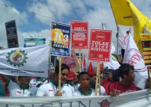 Peringati Hari Buruh, PPRL Gelar Aksi <i>longmarch</i>