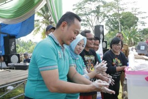 Wabup Pringsewu Ajak Masyarakat Budayakan PHBS