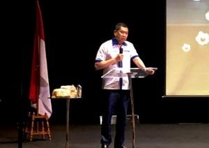 Hary Tanoe Akan Bangun Gedung Futsal Berstandar Internasional