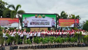 Peduli Lingkungan, Polda Lampung Tanam 15 Ribu Pohon