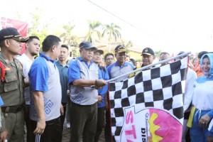 Wagub Lepas Jalan Sehat HUT Lampung Ke 53