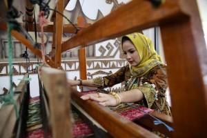 Yustin  Ajak Masyarakat Lestarikan Batik Khas Lampung