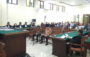 Kasus Korupsi Di Mesuji, Sibron Dan Kardinal Divonis 27 Bulan Penjara