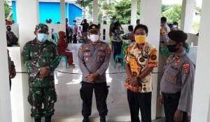 Kapolsek Banjaragung Pimpin Pengamanan Penyaluran BST Kemensos