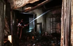 Kios Bensin Merangkap Bengkel Di Sambikarto Ludes Terbakar