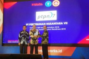 PTPN VII Raih Dua Penghargaan TOP IT Dan TELCO