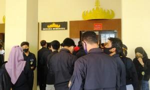 Jelang Pilwakot, Pemkot Tabur Uang Rp300 Ribu