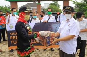 BPK Peduli Salurkan Sembako Pada Korban Bencana Di Tulangbawang