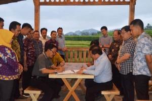 PT Tjong Bersaudara Akan Investasi Pengolahan Kelapa Di Pesibar