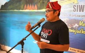 SIWO Lampung Kenalkan Ikat Kepala Khas Radin Inten II