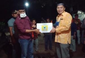Azis Syamsudin Bantu Masker Untuk Posko Covid Di Lamtim