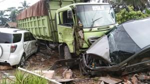 Tujuh Kendaraan Kecelakaan Beruntun Di Gisting