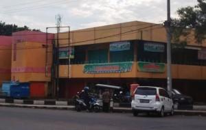 Pedagang Shoping Center Siap Kosongkan Toko