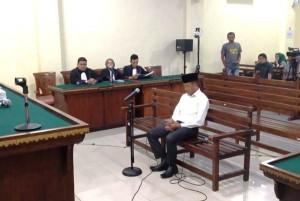 Suap Proyek, Hendra Dituntut 20 Bulan Penjara