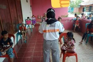 ACT Lampung Simulasi <i>social Distancing</i> Di Kelurahan Waylunik